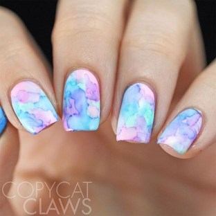Unusual Watercolor Nail Art Ideas That Looks Cool14