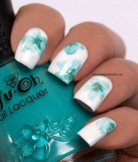 Unusual Watercolor Nail Art Ideas That Looks Cool32