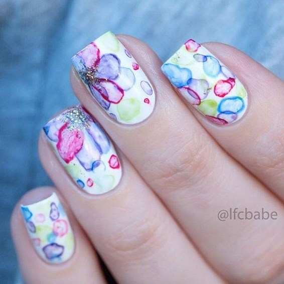 Unusual Watercolor Nail Art Ideas That Looks Cool37