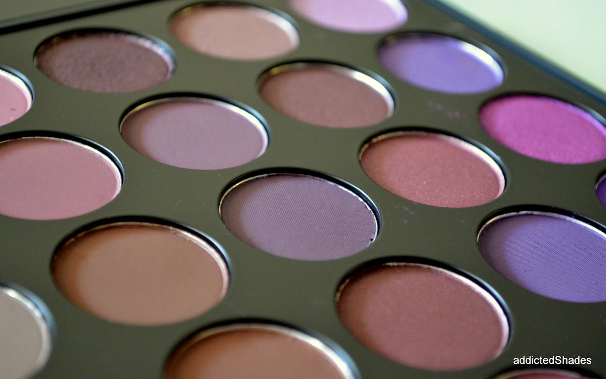 Swatches Morphe 35 Plum Eyeshadow Palette