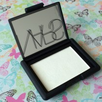 NARS Albatross Highlighter