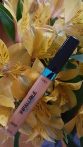 L'oreal infalliable pro glow concealer