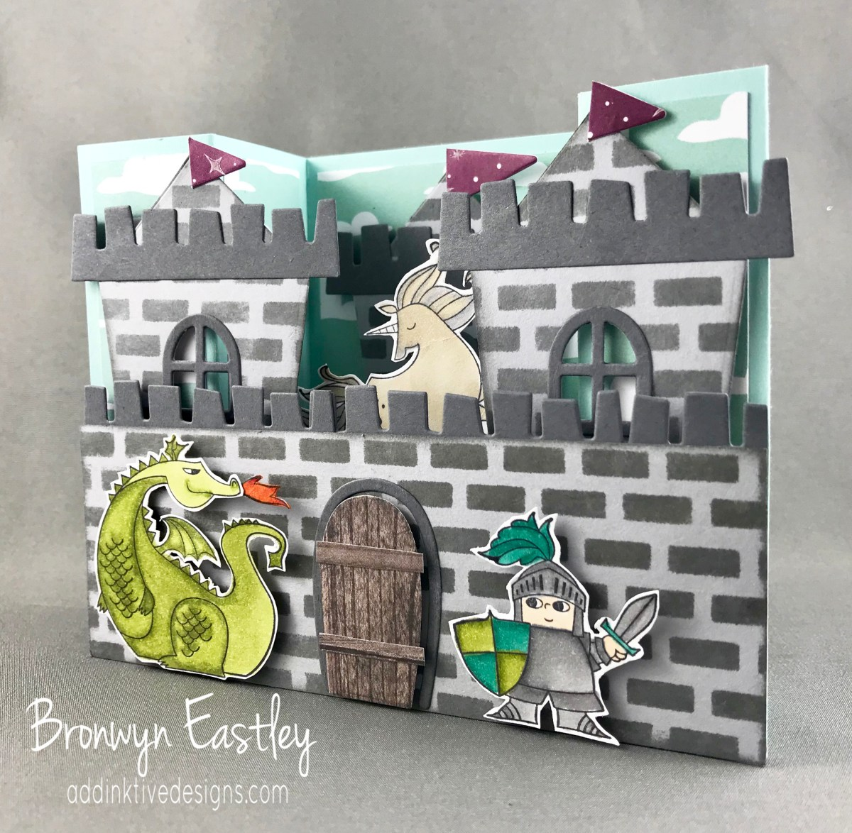 Display Stamper Blog Hop 04 - Castle Bridge Fold