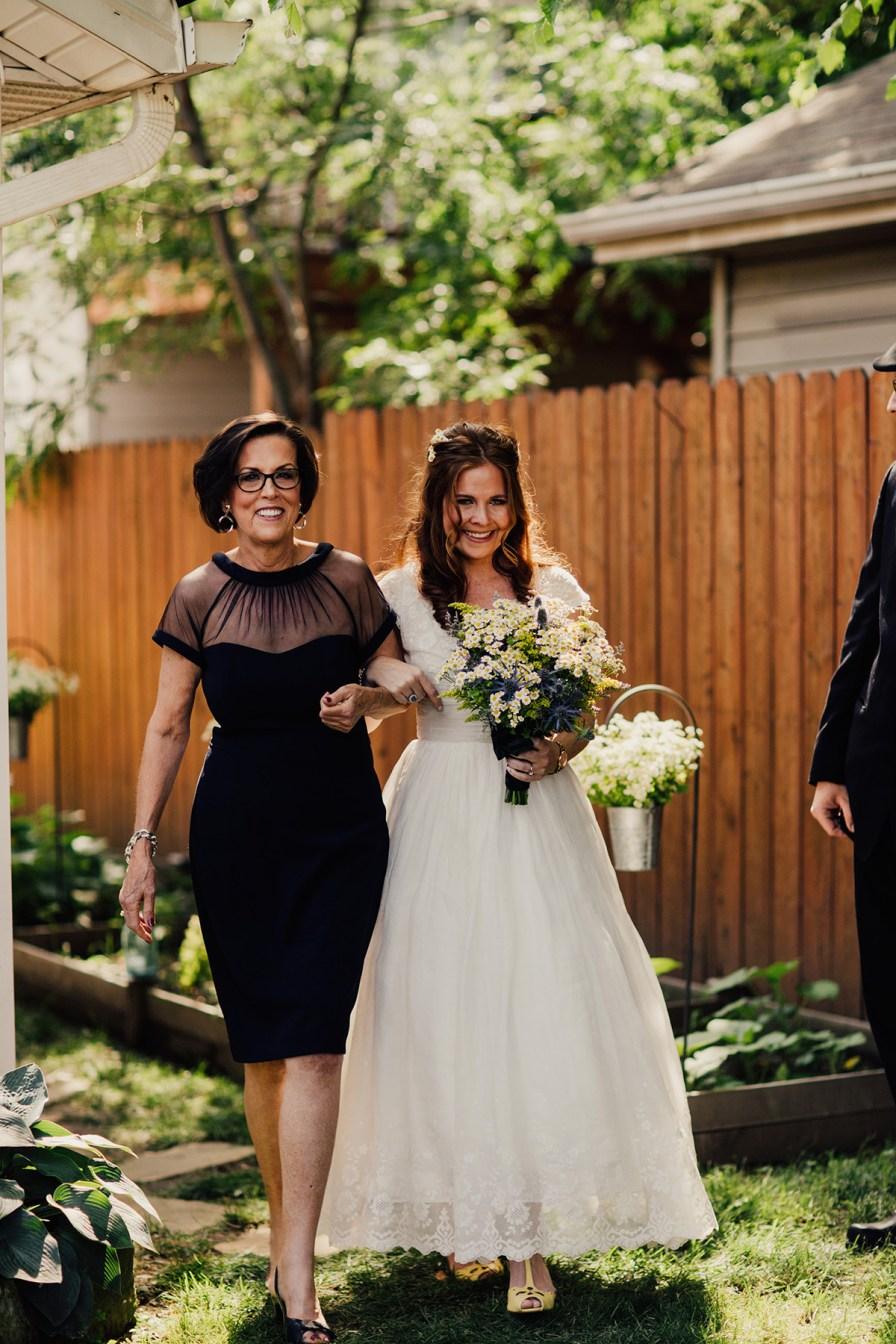 cleveland ohio intimate backyard wedding