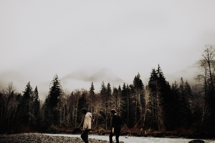Wenatchee-national-forest-engagement-session-photographer-022.jpg