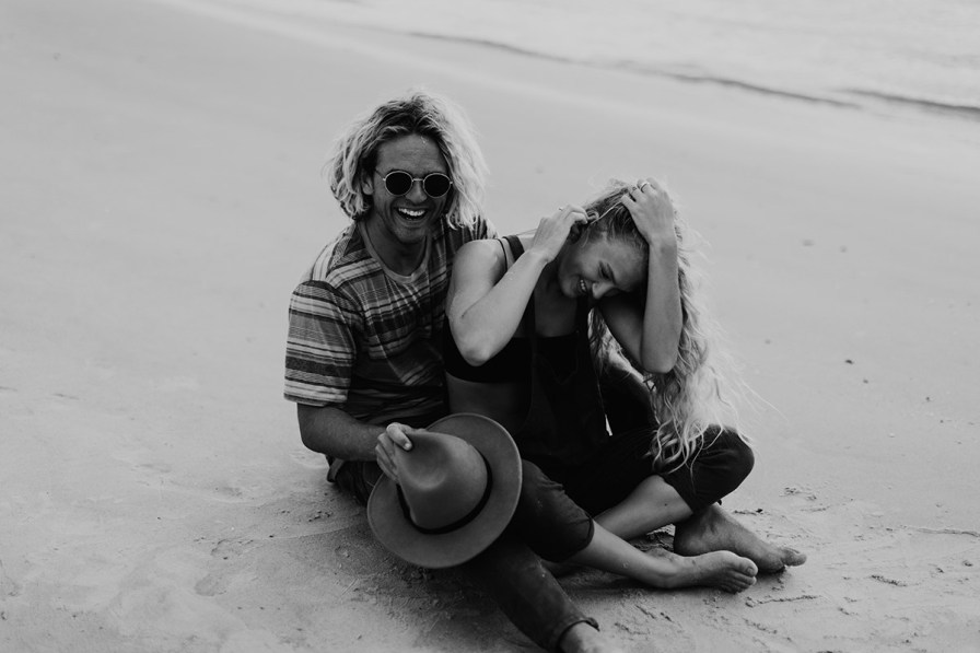 wilmington-beach-north-carolina-photographer-surfer-couple-019.jpg