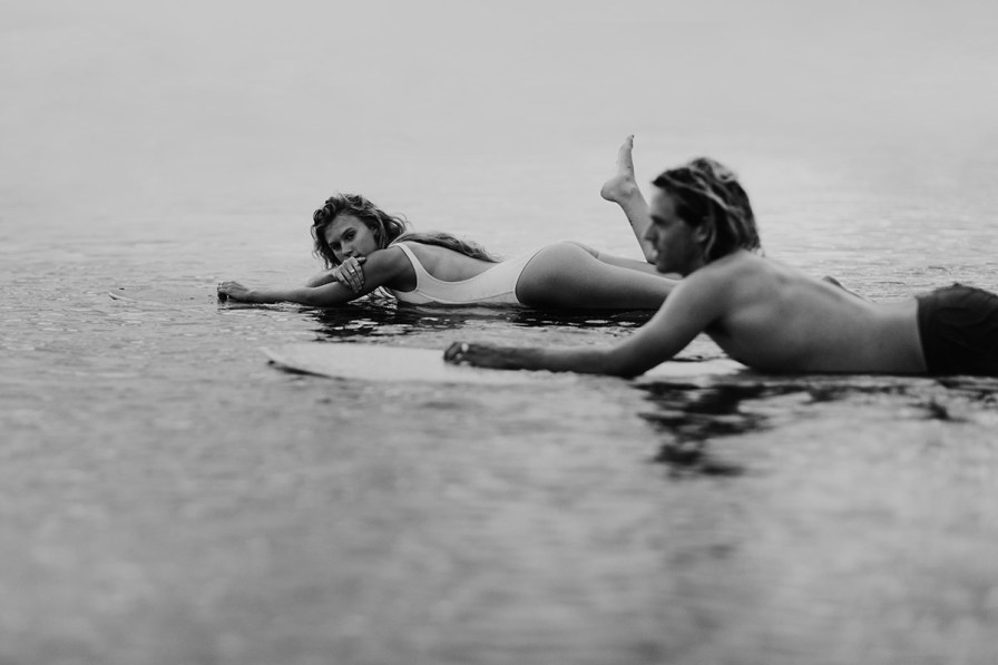 wilmington-beach-north-carolina-photographer-surfer-couple-040.jpg