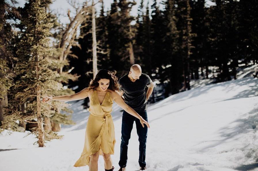 Adventure-Elopement-Photographer-Colorado-hiking-couple