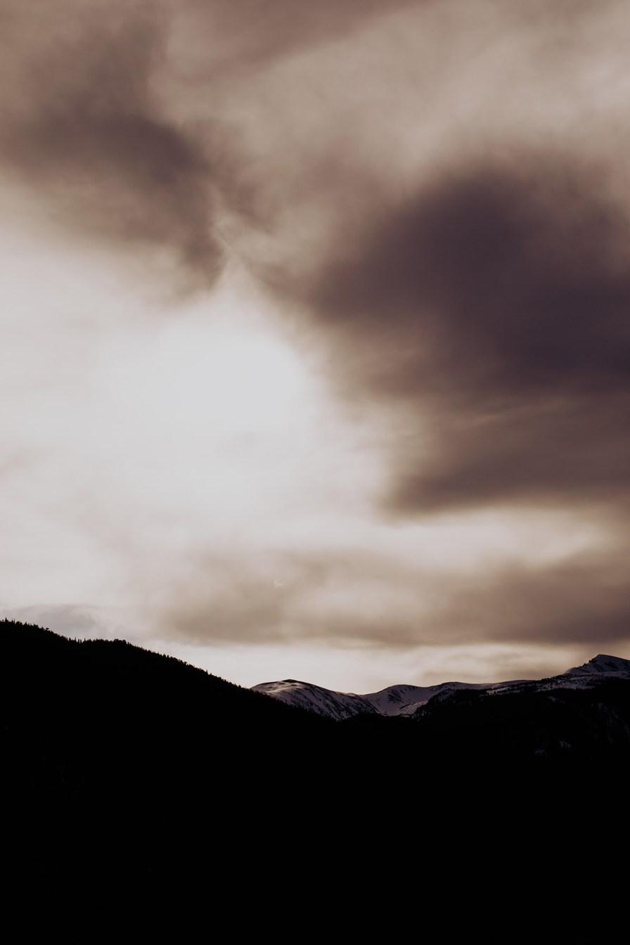 Adventure-Elopement-Photographer-idaho-springs