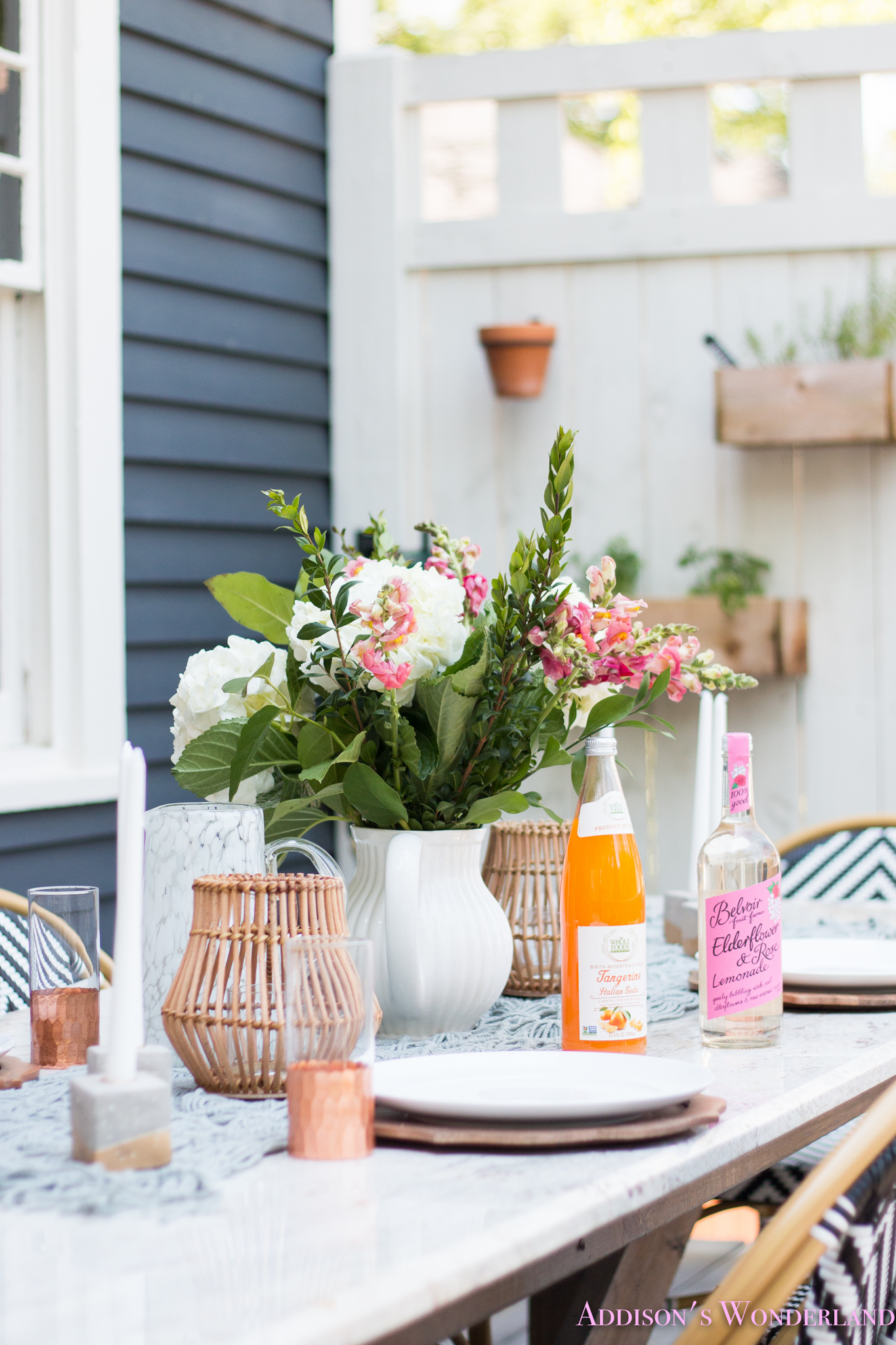Outdoor Dining, Table Decor & the Cutest Bistro Chairs ... on Backyard Table Decor id=66204