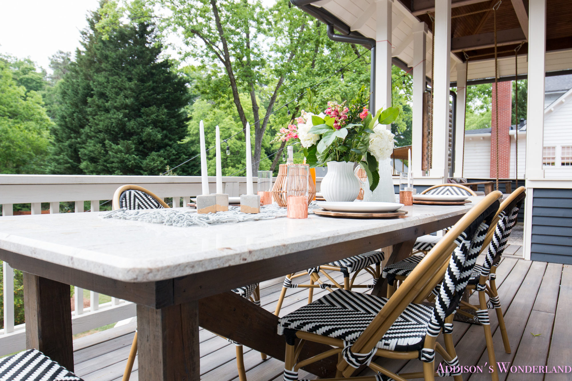 Outdoor Dining, Table Decor & the Cutest Bistro Chairs ... on Backyard Table Decor id=87123