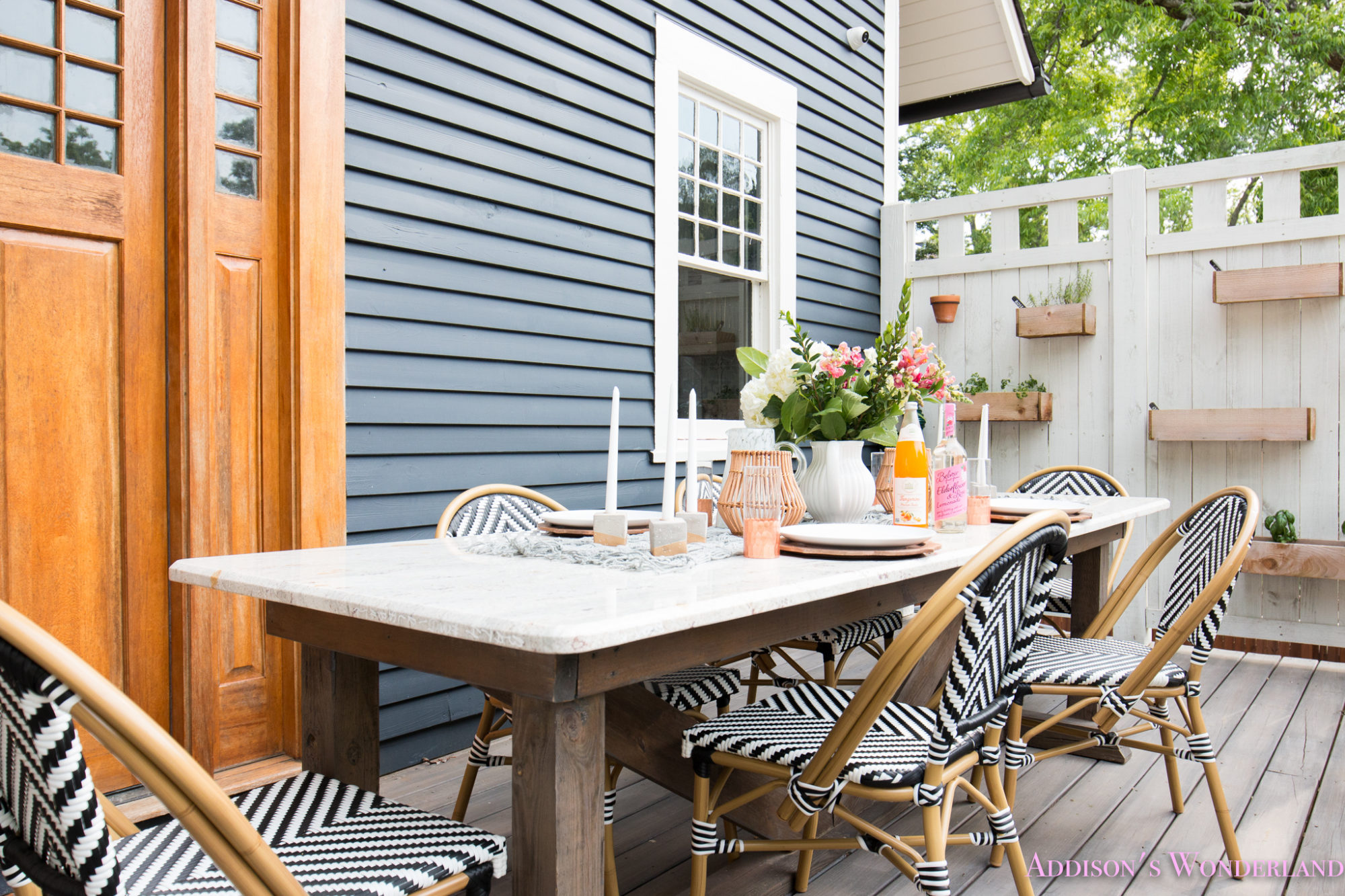 Outdoor Dining, Table Decor & the Cutest Bistro Chairs ... on Backyard Table Decor id=13216