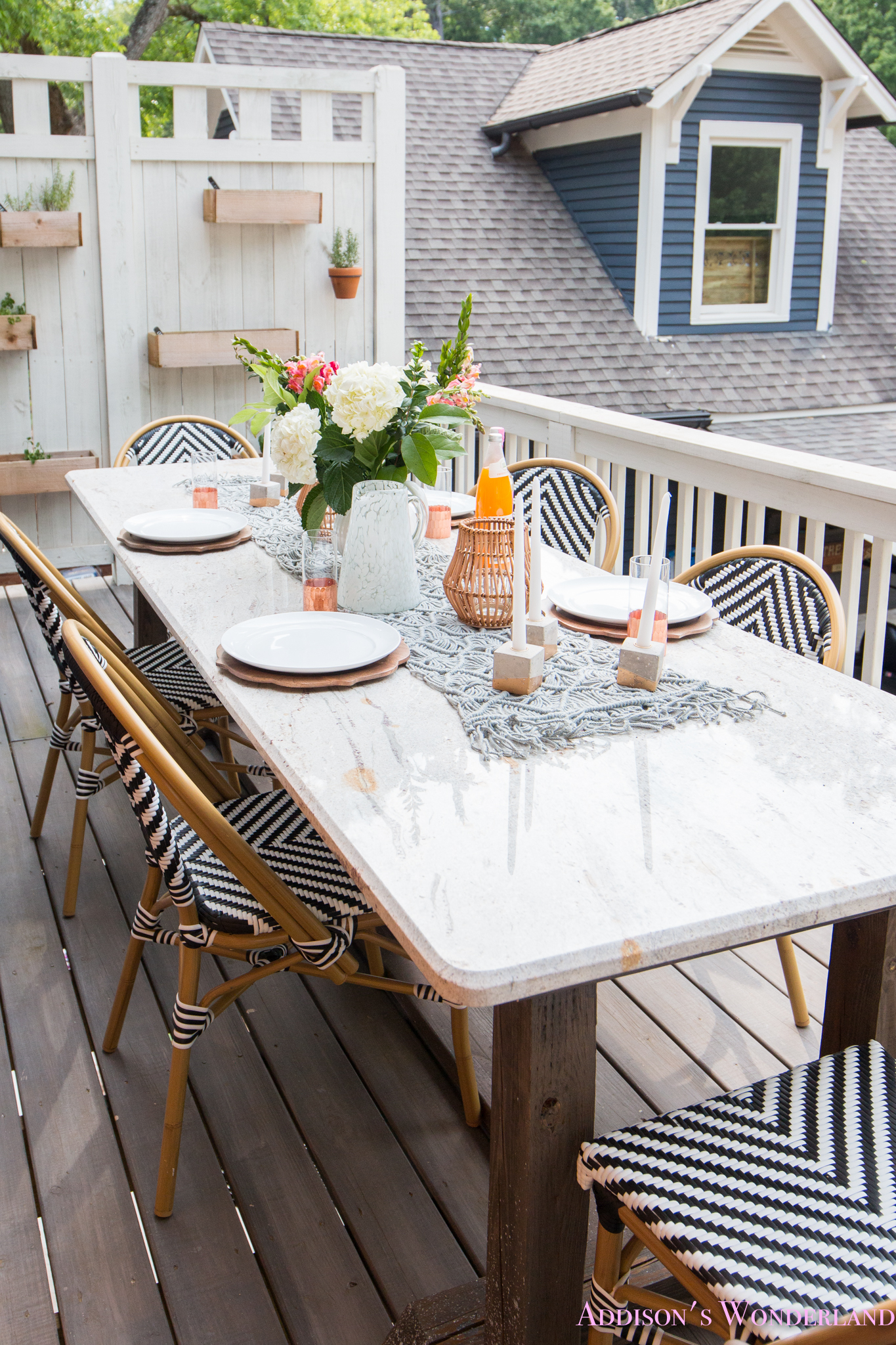 Outdoor Dining, Table Decor & the Cutest Bistro Chairs ... on Backyard Table Decor id=85815