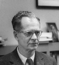 440px-B.F._Skinner_at_Harvard_circa_1950