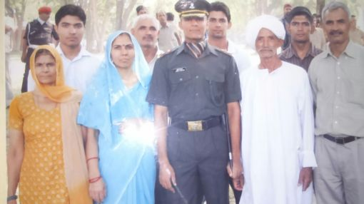 PROUD FAMILY MEMBERS WITH SUSHIL