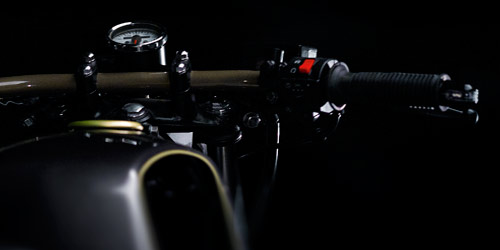 Φωτογράφιση μοτοσυκλέτας c-racer • adeadpixel