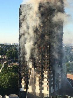 La seguridad en la edificación cuestionada tras el incendio de Londres