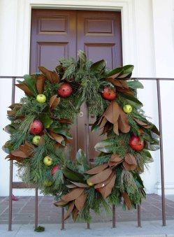wburg.wreath.magnolia.pomegranate