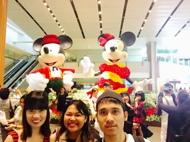changi airport mickey mouse