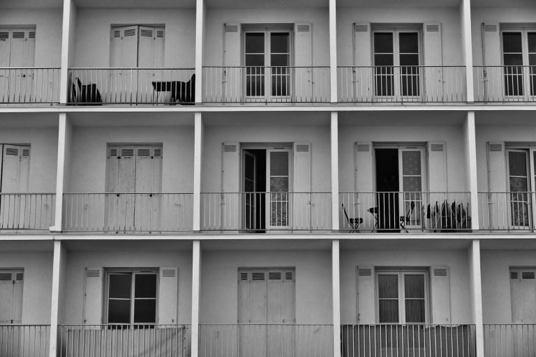 Artículo sobre La acción de cesación de actividades molestas en la comunidad de propietarios