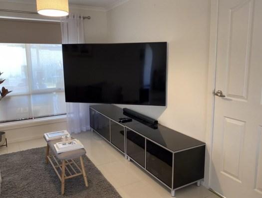 Sanus full motion articulated TV mount Highbury