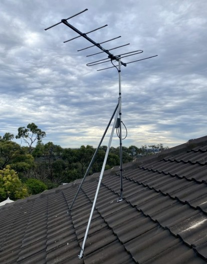 Heavy duty antenna mount on tiled roof Para Hills