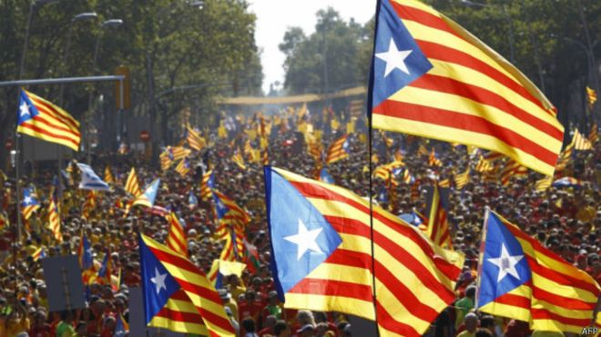 140911170536_catalans_holding_independentist_flags_624x351_afp