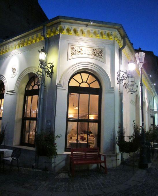 adelaparvu.com despre Cafeneaua Veche (24)