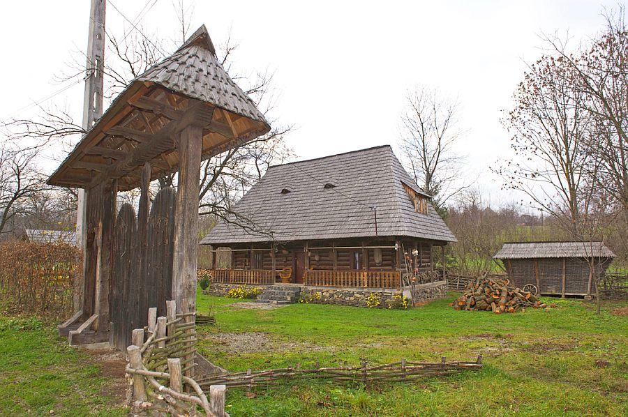 adelaparvu.com despre casa traditionala Maramures, satul Hoteni, Pensiune Marioara satul Breb, Foto Motica (14)