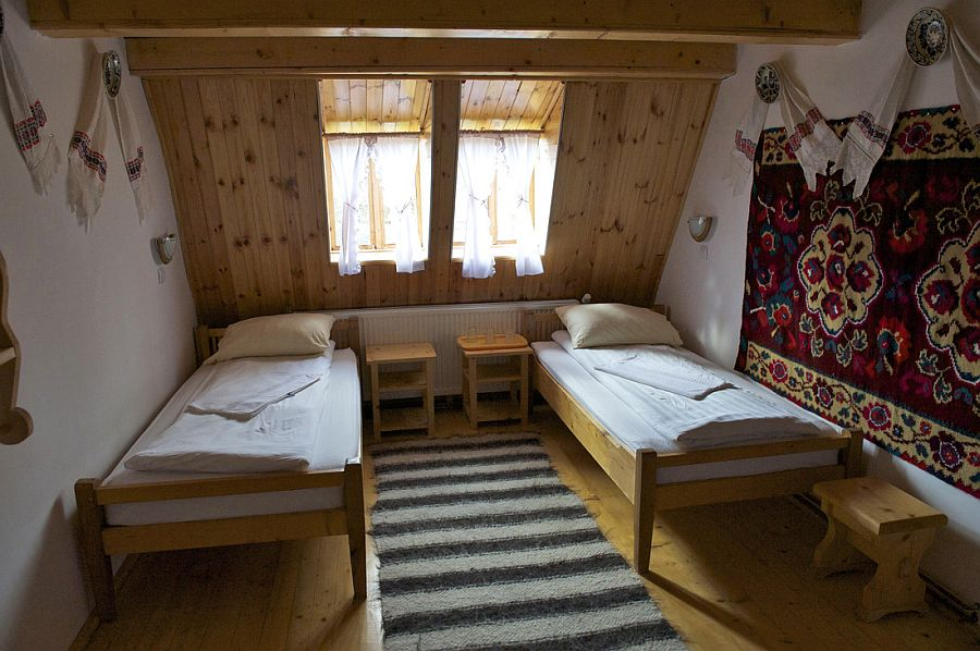 adelaparvu.com despre casa traditionala Maramures, satul Hoteni, Pensiune Marioara satul Breb, Foto Motica (22)