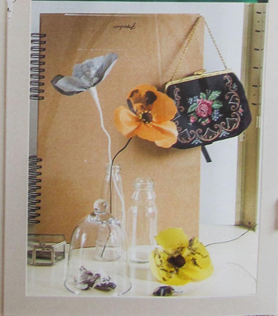 adelaparvu.com despre flori, frunze, pene de bumbac imprimate cu imagini vintage, artist Miranda van Dijk, Puur Anders (36)