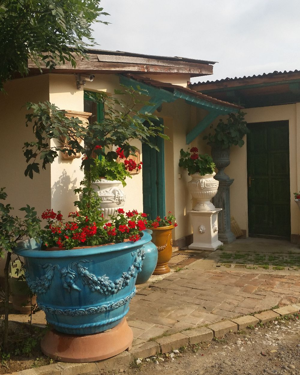 adelaparvu.com despre vase de gradina, ghivece si ornamente din teracota, lut, Terecote Sighisoara Romania (24)