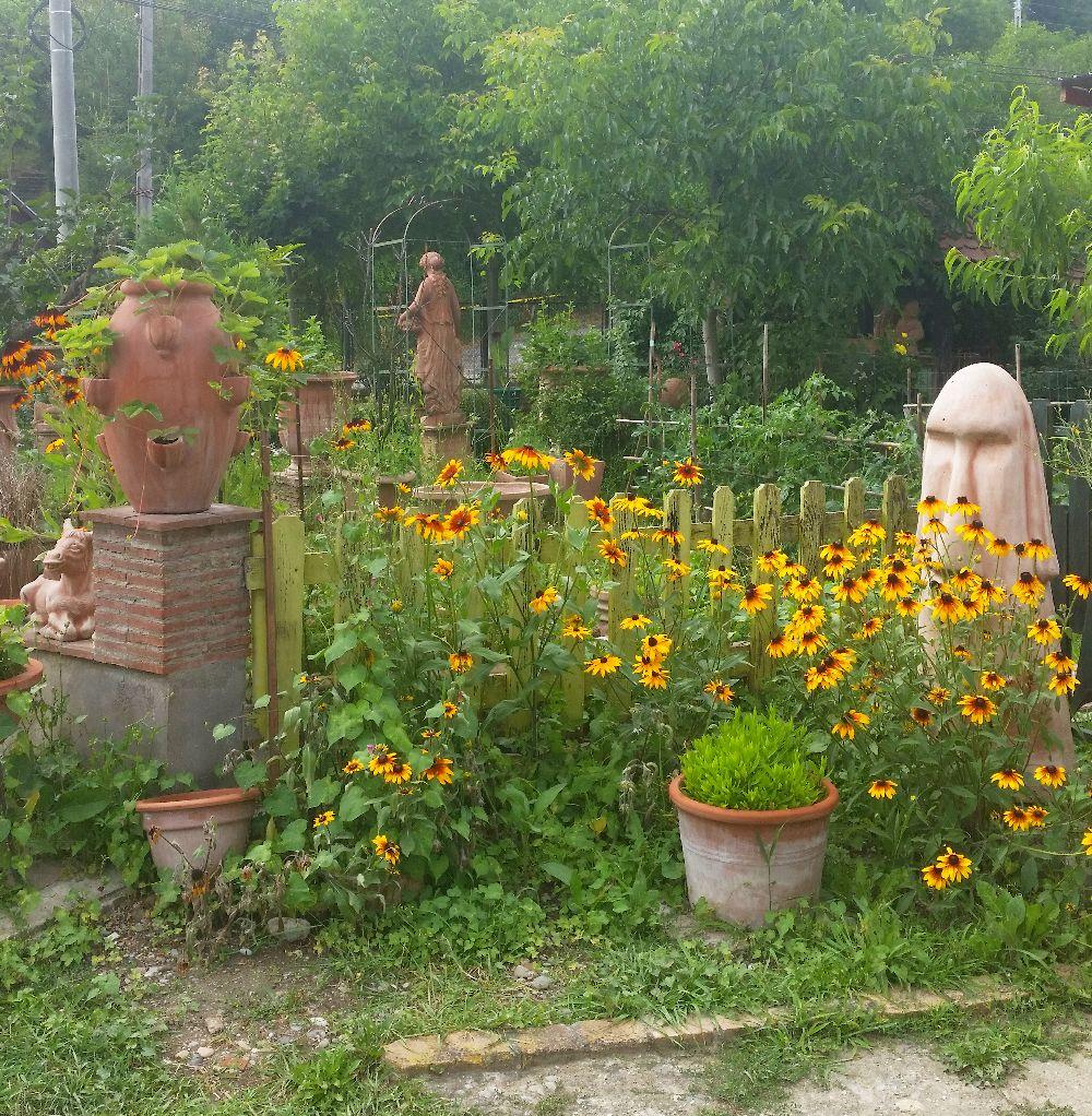 adelaparvu.com despre vase de gradina, ghivece si ornamente din teracota, lut, Terecote Sighisoara Romania (5)