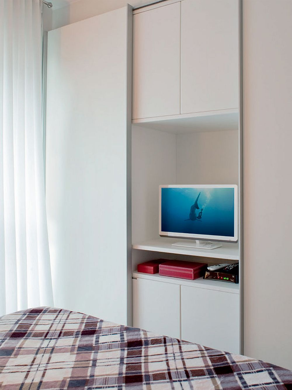 adelaparvu.com despre apartament de trei camere cu gratar pe balcon, designer Daniela Berardinelli (10)