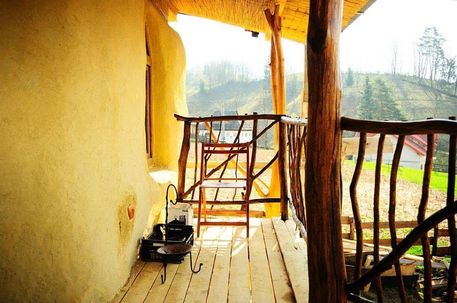 adelaparvu.com despre casa din baloti de paie Popasul Verde, Sangeorz Bai, Romania, proprietar Paul Axinte (3)