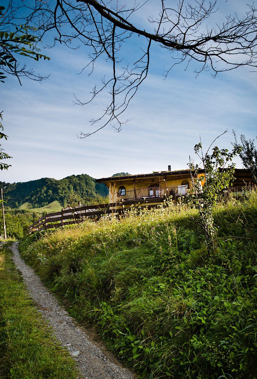 adelaparvu.com despre casa din baloti de paie Popasul Verde, Sangeorz Bai, Romania, proprietar Paul Axinte (31)