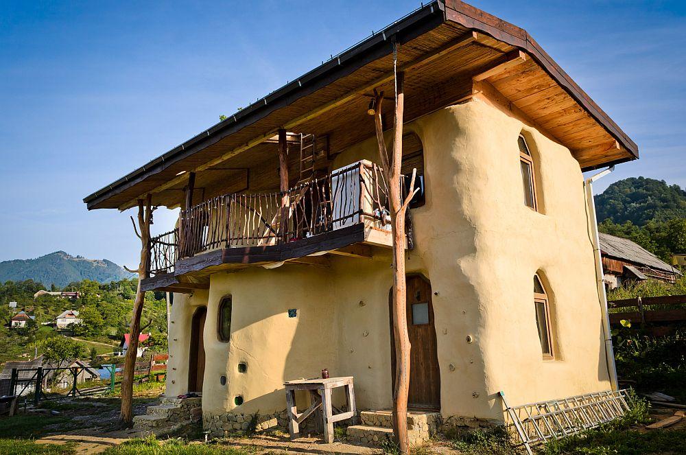 adelaparvu.com despre casa din baloti de paie Popasul Verde, Sangeorz Bai, Romania, proprietar Paul Axinte (32)