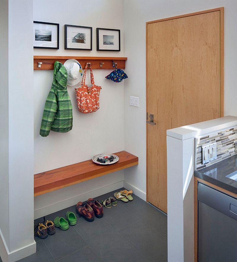 Oricat de mic ar fi spatiul, tot se gasesc solutii pentur un mobilier pentru hol. Foto Anna Wiliamson Architect