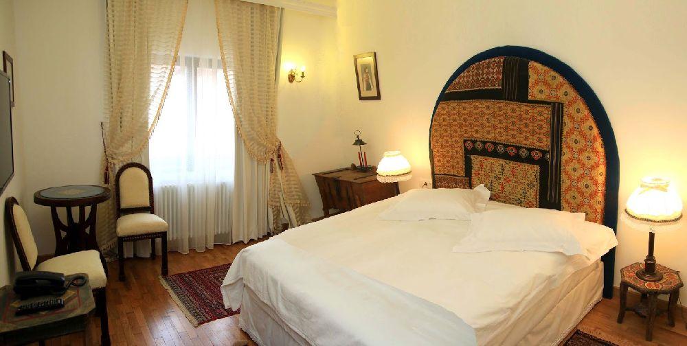 adelaparvu.com despre Casa din Bran Pension, arhitectura Gabriel Henegar, Designer interior Marinela Filip, Foto Andreea Pasca  (31)