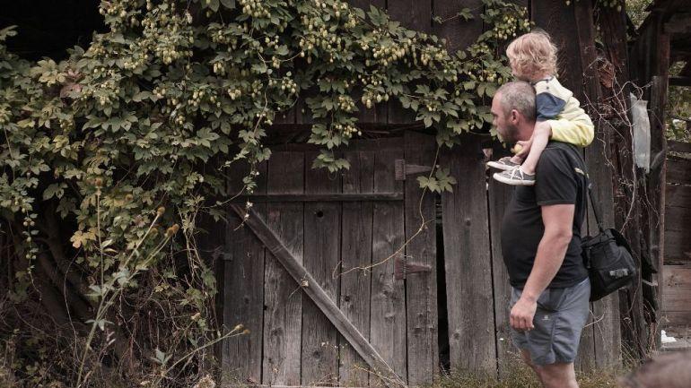 adelaparvu.com despre Alexandra Teodor si Stefan Carstea peisagistii care s-au mutat la tara in Cartisoara (24)