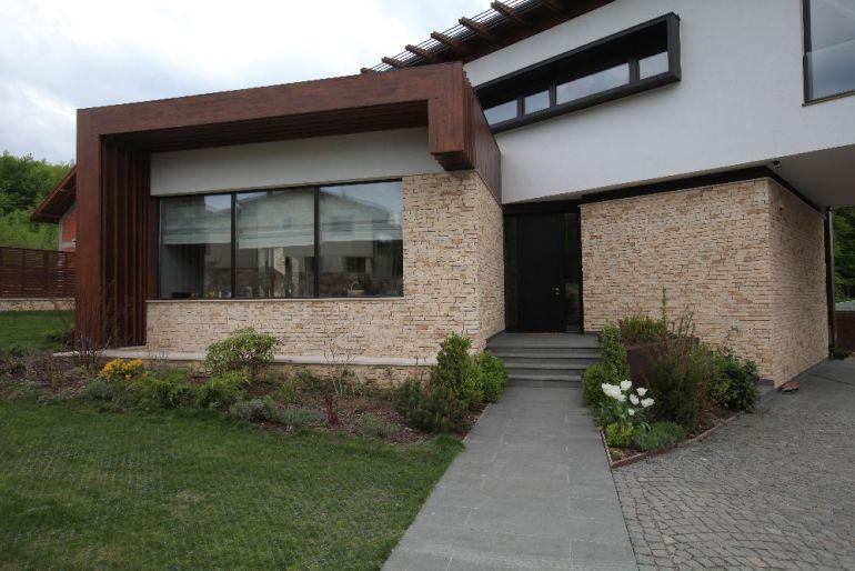 Superb casa modern din cluj napoca decorat de for Casa moderna 2016