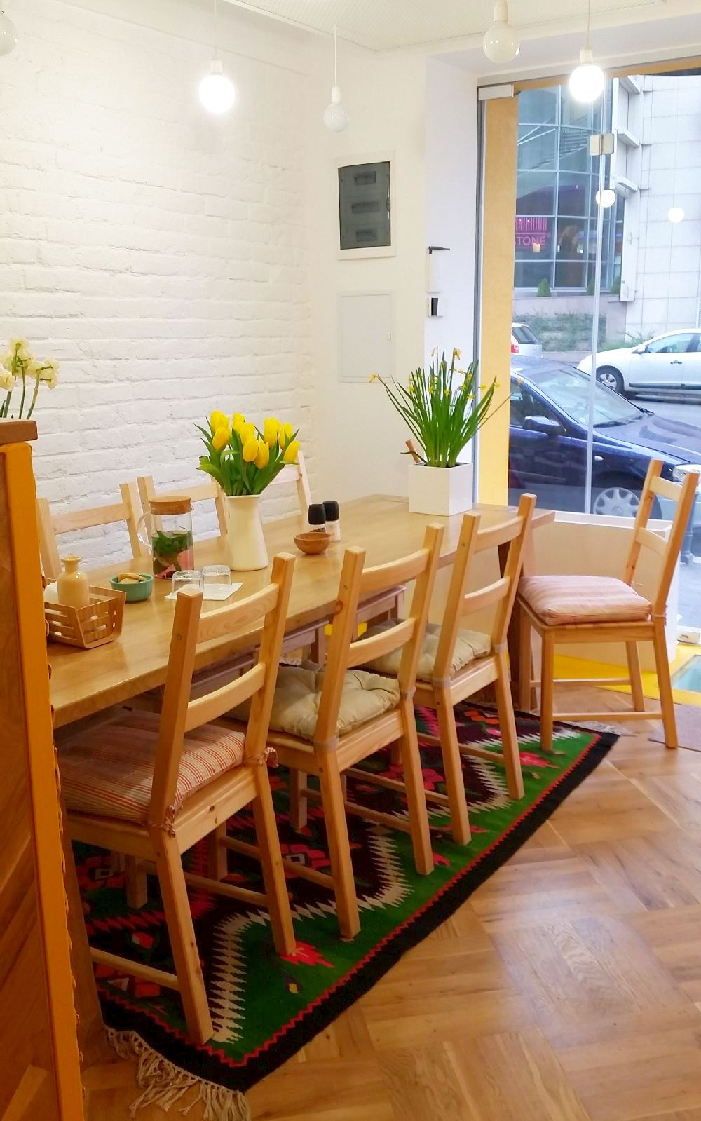 adelaparvu.com despre cafeneaua Arome, Bucuresti, design interior Silvia Diaconu, Bogdan Gogoci (15)