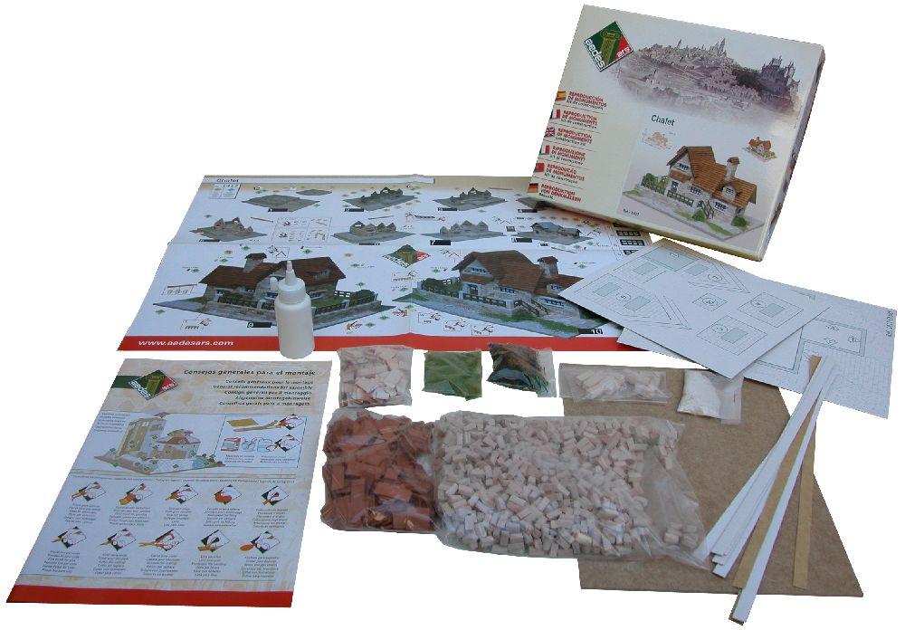 adelaparvu.com despre case miniaturale din ceramica, etape de constructie, Atelierul de modelism (1)