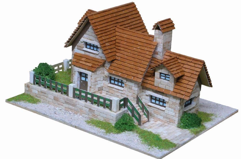 adelaparvu.com despre case miniaturale din ceramica, etape de constructie, Atelierul de modelism (6)