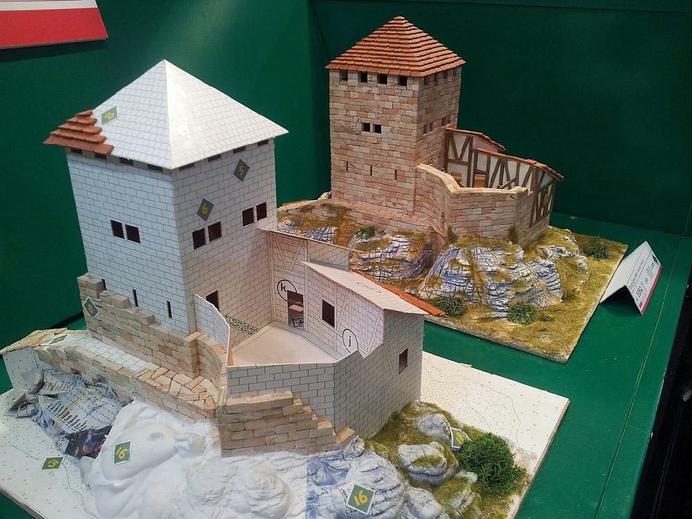adelaparvu.com despre kituri de constructie, castelul machete expozitie, Atelierul de Modelism (2)