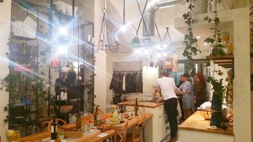 adelaparvu.com despre mansarda transformata in atelier culinar, Mazilique Studio, design arh. Eliza Yokina (2)