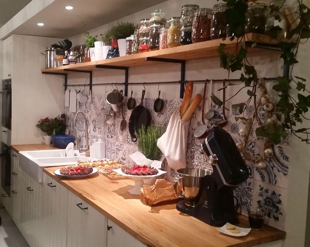 adelaparvu.com despre mansarda transformata in atelier culinar, Mazilique Studio, design arh. Eliza Yokina (3)