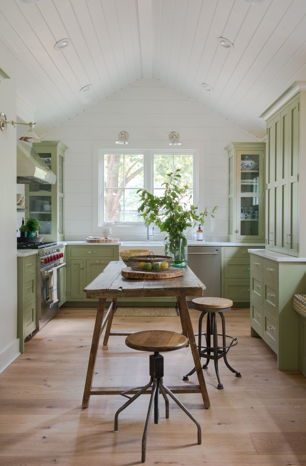 adelaparvu.com despre casa din lemn cu interior rustic actual, Design Kelly Mittleman, arch Mark Finlay, Foto Jane Beiles (8)