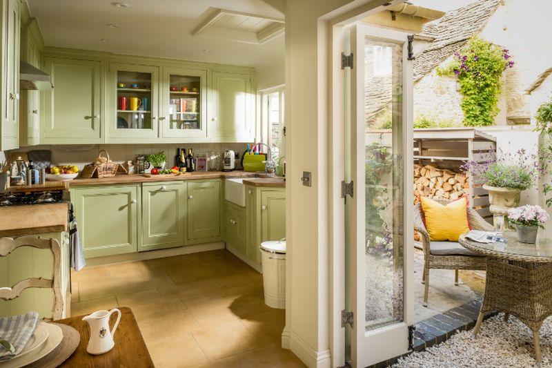 adelaparvu.com despre casa romantica englezeasca in Burford, Little Scarlet prin Unique Home Stays (9)