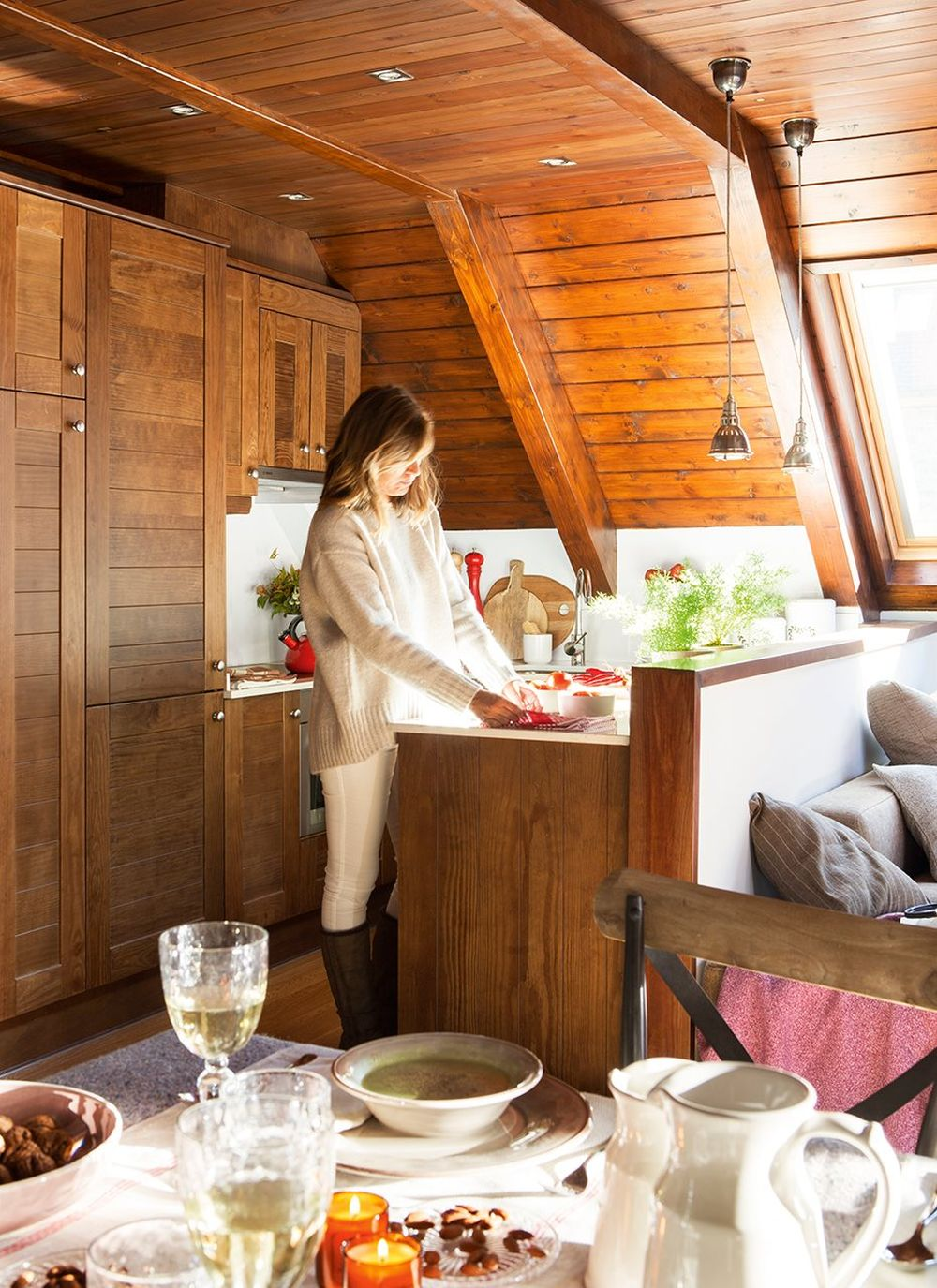 adelaparvu.com despre locuinta de vacanta la mansarda, designer Calorina Juanes, Foto ElMueble, Pepa Oromi (9)